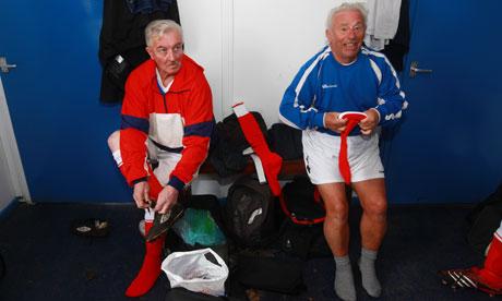 John Rowley, stanga, 70 de ani, si Trevor Whittingham, dreapta, in 2011. Foto: Fabio De Paola