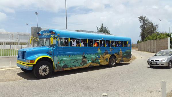 Autocarul nationalei din Curacao a fost punctul de atractie al acestei campanii.