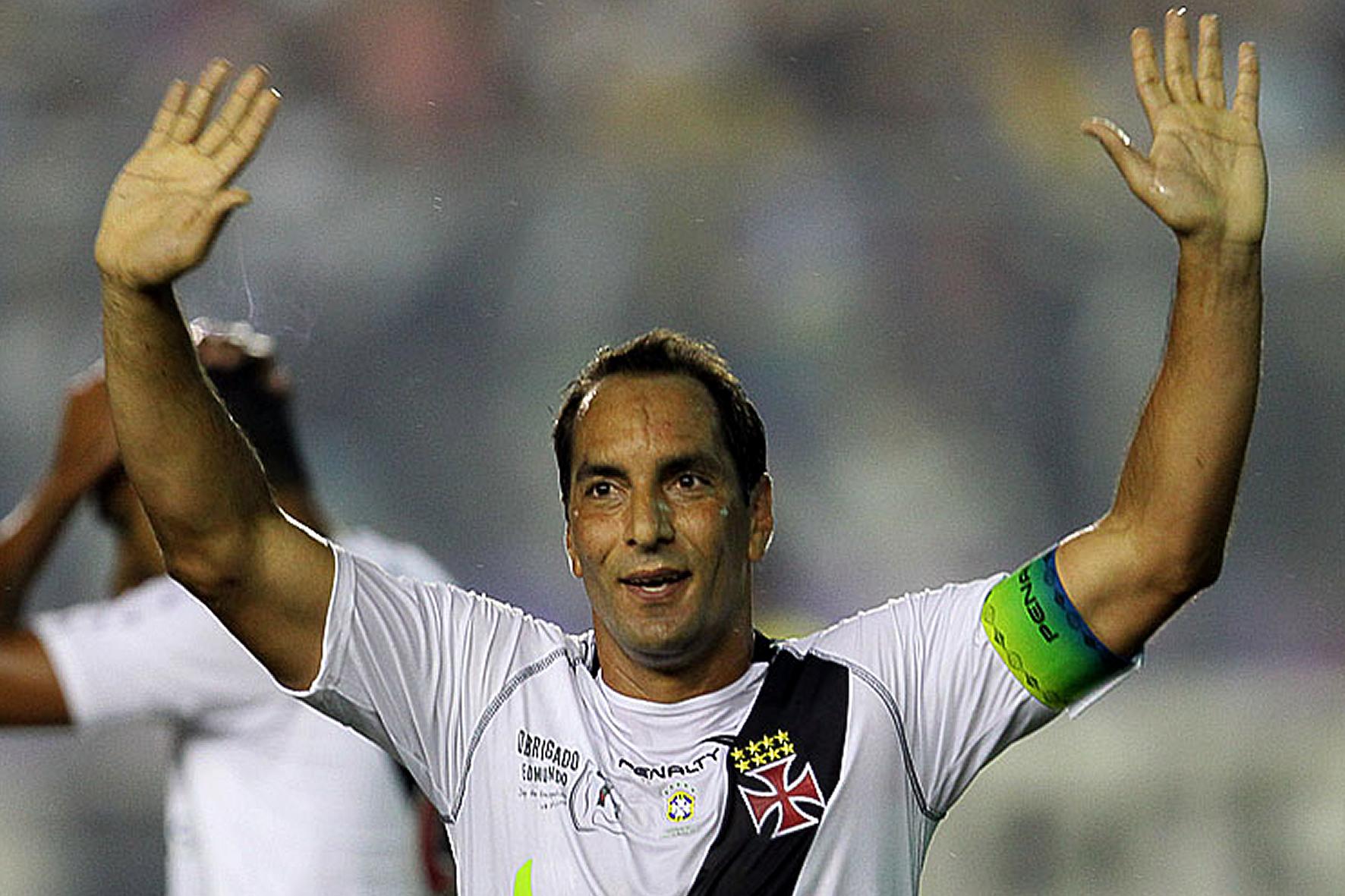 09ABR15-l-Futebol-l-Edmundo-Alves-de-Souza-Neto-©-Marcelo-Sadio-vasco.com_.br_